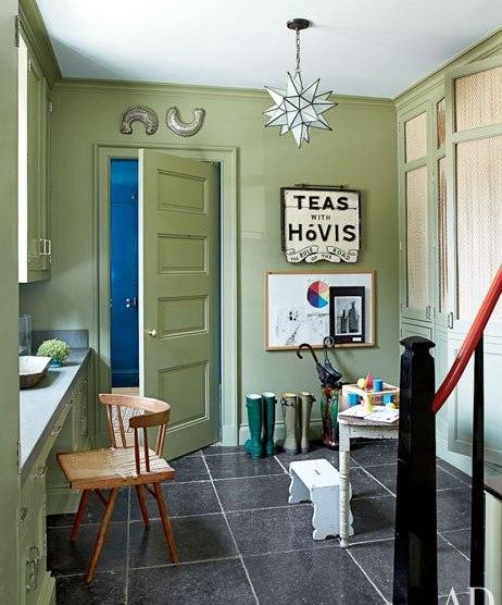 item13.rendition.slideshowWideVertical.emerald-rooms-14-miles-redd