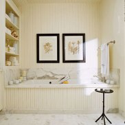 white-bathroom-1-0407-CLiabe-de
