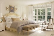 item10.rendition.slideshowHorizontal.suzanne-kasler-atlanta-house-11-master-bedroom