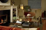 H20100701-Urbane-Outfitter-living-room-01