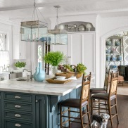 04-hbx-blue-kitchen-island-0914-xln